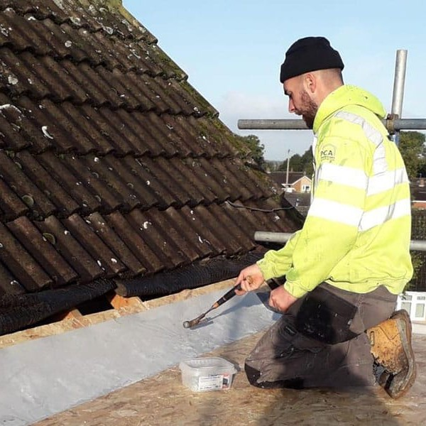 Timing Your Roof Repairs Autumn vs Winter